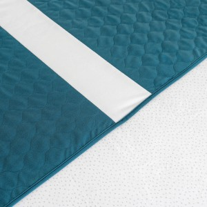 Conni X-wide Dual Reusable Bed Pad with Tuck-ins